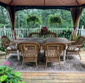 Outdoor Dining Space on the Deck